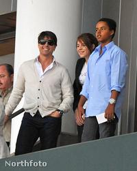 Connor Cruise a kép jobb szélén látható