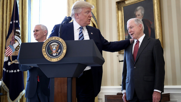 Trump leszámolhat az elnökségére veszélyt jelentő főellenféllel