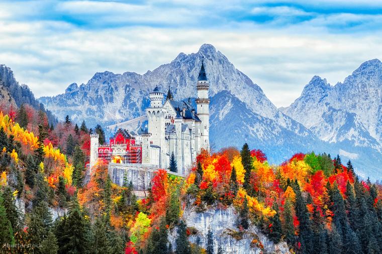 A Neuschwanstein kastély Németország déli részén, Schwangau község területén található