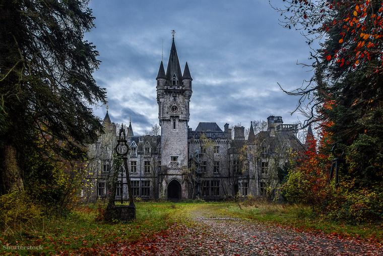 A Miranda kastély a belga Celles település közelében, az Arden erdőben áll, és Chateau de Noisy néven is ismert