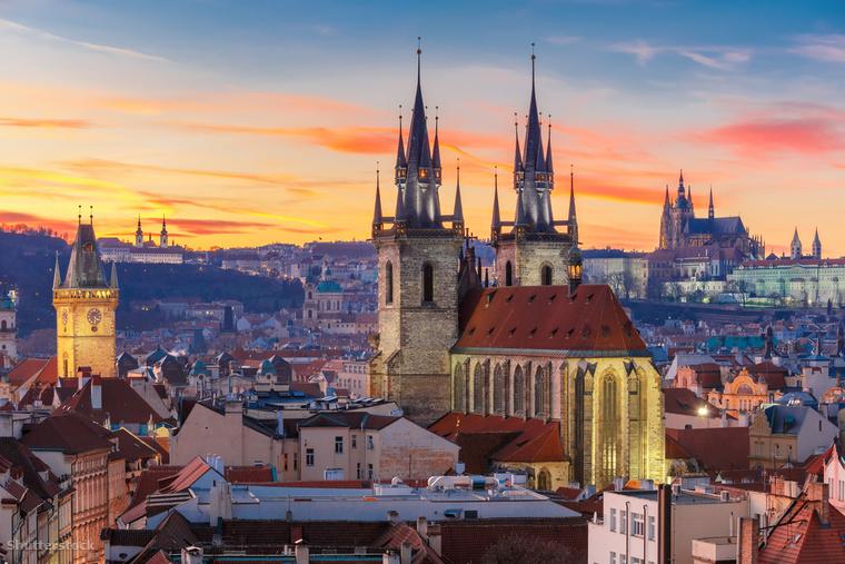 A prágai vár Prága ősi erőssége és legrégebb óta lakott része