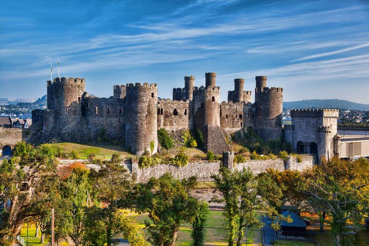 Conwy vára, ez a középkori erődítmény Wales északi partján található, és I