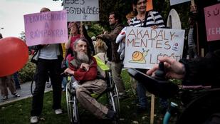 Alkotmánybíróság: Jogellenesen vették el a rokkantnyugdíjakat Orbánék