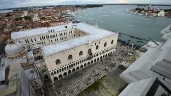Elfogták a velencei Dózse-palotát januárban kifosztó tolvajokat