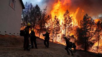 Percenként 80 focipályányi terület lángol fel a kaliforniai tűzvészekben