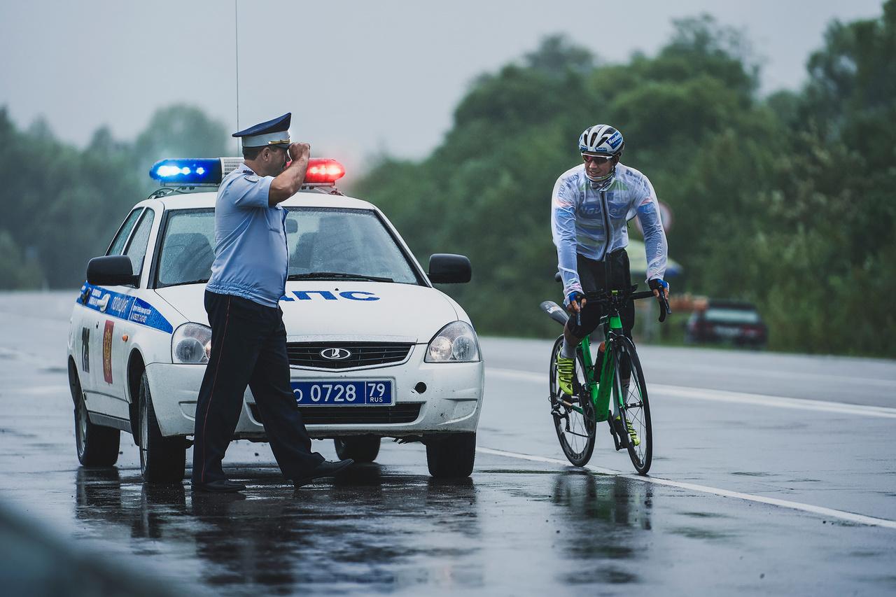 Az idei versenyt a német Pierre Bischoff nyerte. Itt egy rendőrtől kap segítséget az utolsó előtti szakaszon. A másodikra 17 és fél órát vert.