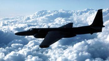 A CIA speciális étrenden tartotta a kémrepülők pilótáit, hogy ne kelljen odafenn vécére menniük