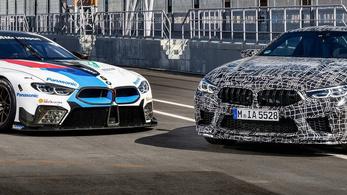 Gyári kémfotókon a BMW M8