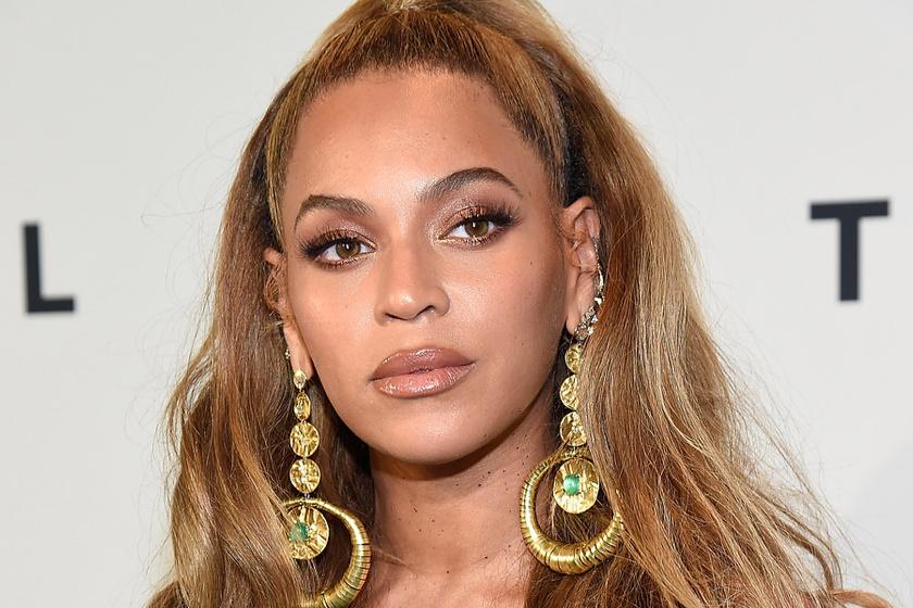 Beyoncé és kislánya összeöltöztek - Ilyen cukik egyforma ruhában