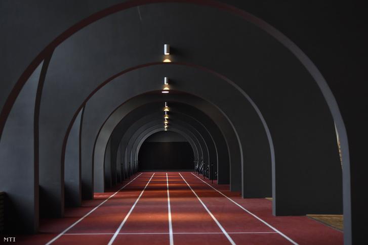 A konferenciaközpont futópályája