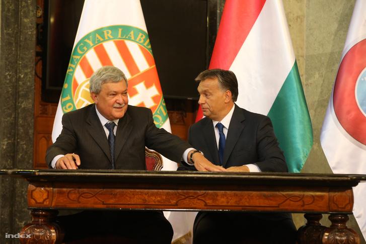 Csányi Sándor, a Magyar Labdarúgó Szövetség (MLSZ) elnöke és Orbán Viktor miniszterelnök