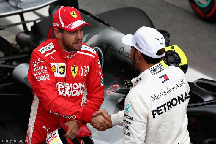 Vettel és Hamilton gratulálnak egymásnak
