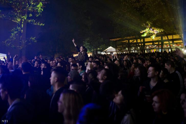 A Feszt!Eger könnyűzenei fesztivál a Losonczy-völgyben 2014. május 17-én.