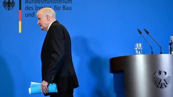 Horst Seehofer bejelentette: lemond a bajor CSU elnöki posztjáról