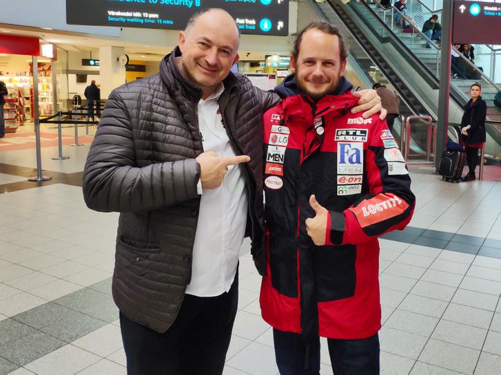 Szalay Balázs és Rakonczay Gábor a reptéren