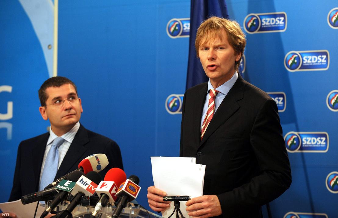 Fodor Gábor, az SZDSZ elnöke (j) és Kóka János, az SZDSZ parlamenti frakciójának vezetője 2008. november 12-én
