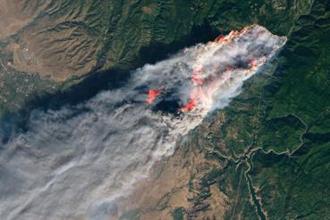 Az északon tomboló Camp Fire elnevezésű tűzet az űrből is látni lehet.