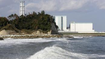 Még mindig sugárszennyezett a víz a fukusimai erőműnél
