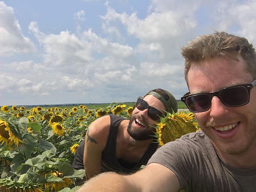- Doug és én felkerekedtünk, és csaptunk egy sablonos, Insta-csajos napot.
