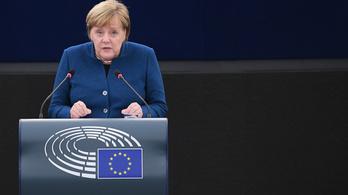 Merkel: Aki a saját országában csorbítja a jogállamiságot, egész Európának árt
