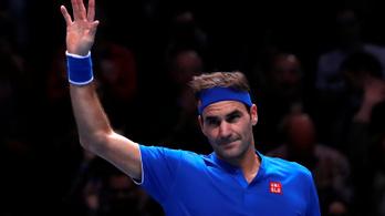 Federer javított a vb-n, Nisikorit leütötték a pályáról
