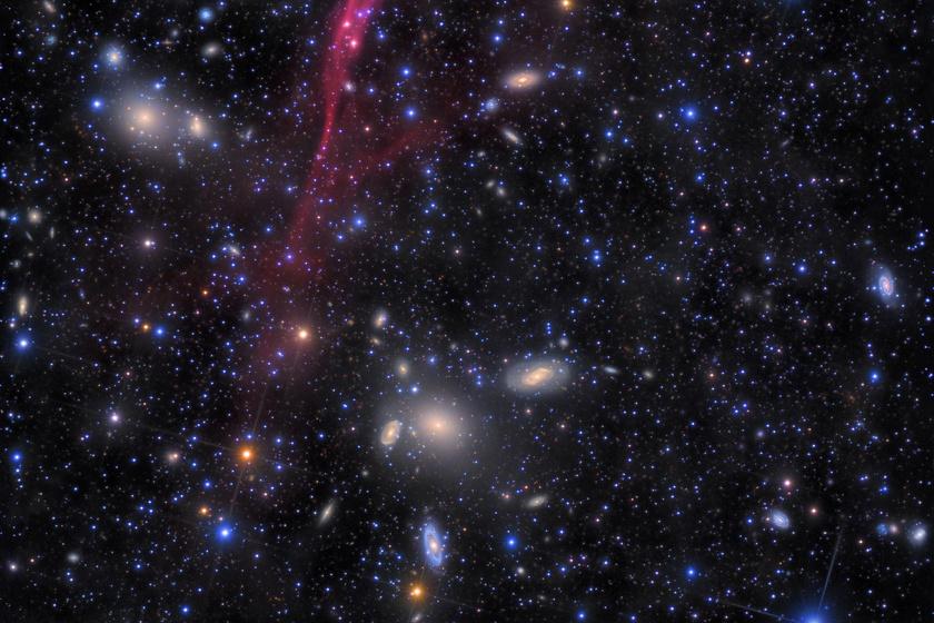 Szellemgalaxis rejtőzik a Tejútrendszer ködében: egy űrszonda bukkant rá