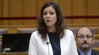 Szél Bernadettet a Jobbik és a DK állította meg gender-ügyben