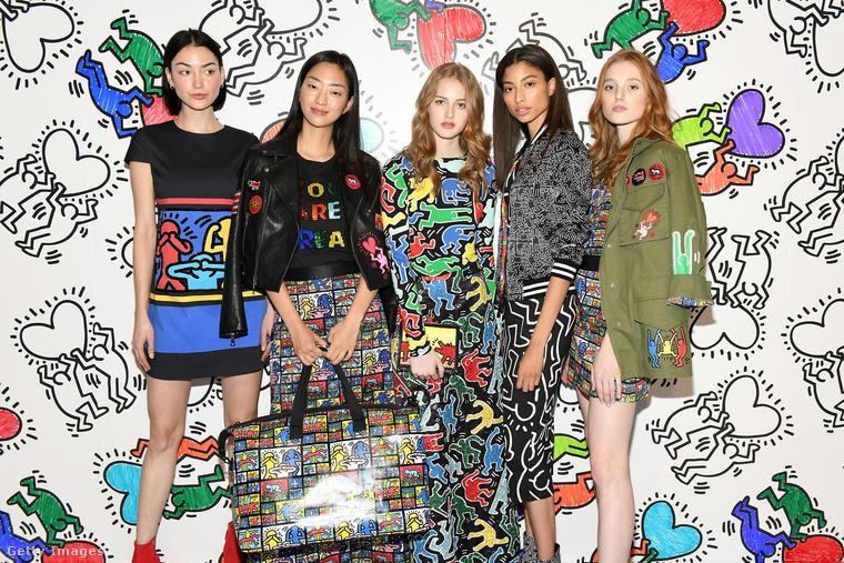 Ők pedig modellek további ruhákkal, és nem bírjuk ki, hogy ne emlékeztessük önt arra, hogy Keith Haring munkásságát általában cenzúrázva használják fel a designerek, és most is ez a helyzet