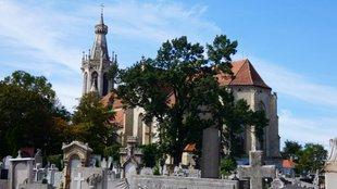 Őszi sírkerti séta a soproni új Szent Mihály temetőben