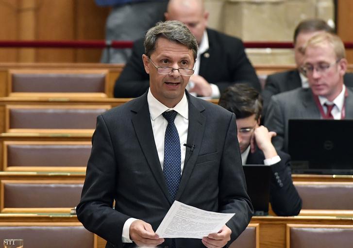 Cseresnyés Péter az Innovációs és Technológiai Minisztérium parlamenti államtitkára