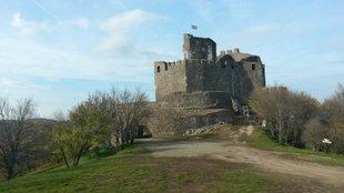 A vár, melyet a legenda szerint az ördög fiai építettek