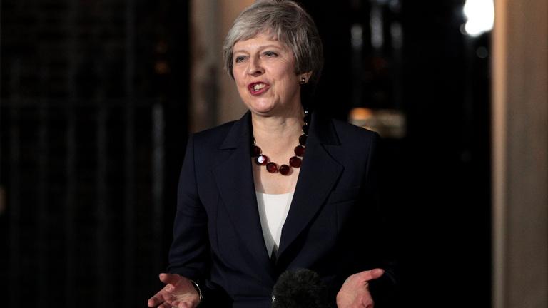 A brit kormány Theresa May mögé állt, és elfogadta a brexit megállapodást