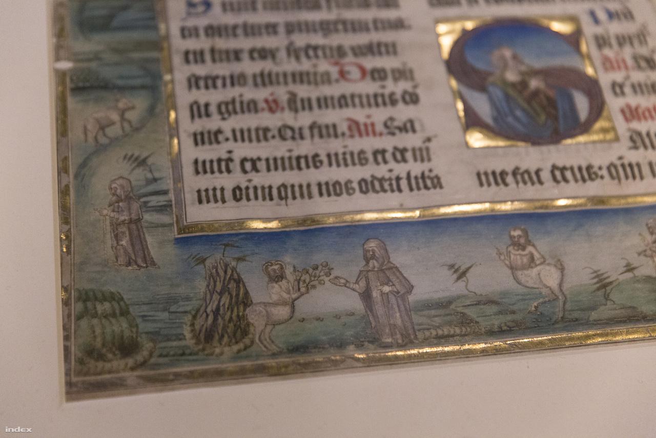 Kis groteszk részlet a budaszentlőrinci pálos kolostor liturgikus kódexének lapján: Szent Antalnak egy hippokentaur mutat utat, majd egy datolyát vivő kosszarvas, félig ember, félig lótestű lénnyel találkozik a sivatagban. A má az 1490-es években készült, Budán vagy Szentlőrincen.