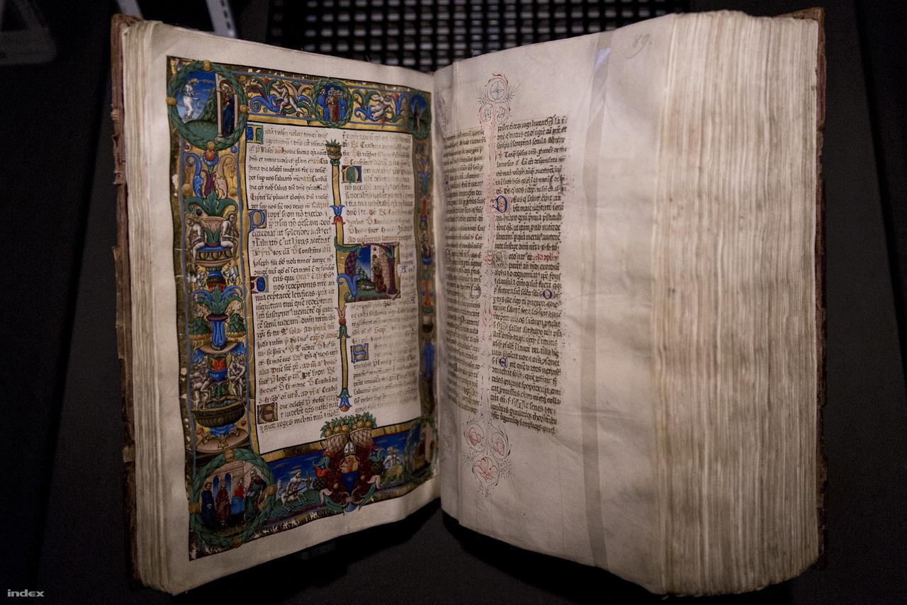 A milánói Francesco de Castello corvinafestő magyarországi remekműve Kálmáncsehi Domonkos székesfehérvási nagyprépost breviáriuma (Zágrábi rítus, Buda, 1481 körül, az OSZK gyűjteményéből). Az itáliai miniátor három helyen is szignózta alkotását, ami arra utal, hogy maga is kiemelkedően fontosnak tartotta ezt a kötetet.
