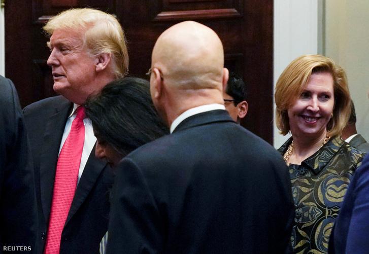 Kirúgták a fehér házi tanácsadót, akit Melania Trump bírált