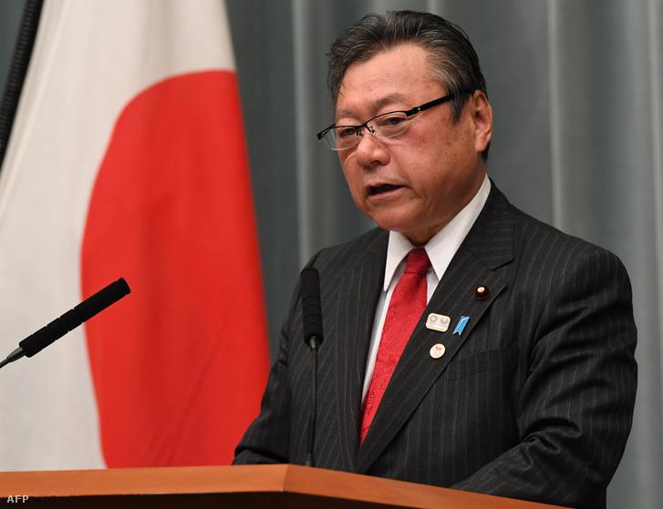 Szakurada Jositaka kiberbiztonsági előkészületeiért felelős japán miniszter
