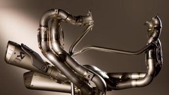 Ezért kerül 1,5 millióba a Ducati Panigale V4 titán versenykipufogója