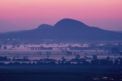 gulacs-toti-hegy-hajnal