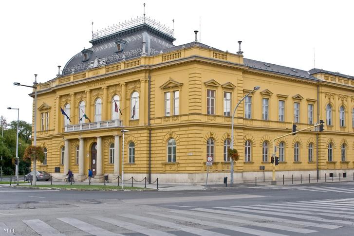 A Székesfehérvári Törvényszék épülete