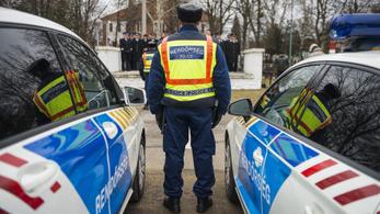 Hazudik a rendőrség a túlórapénzekről