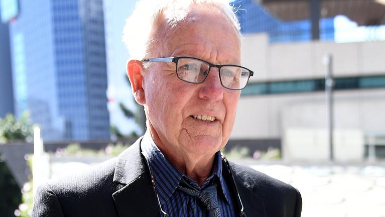 Másvalaki öngyilkossága miatt ül a kapzsi ausztrál guru