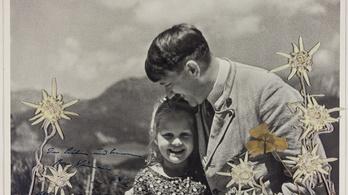 Kisebb vagyont adtak a Hitlert és kis barátját, egy zsidó lányt ábrázoló fotóért