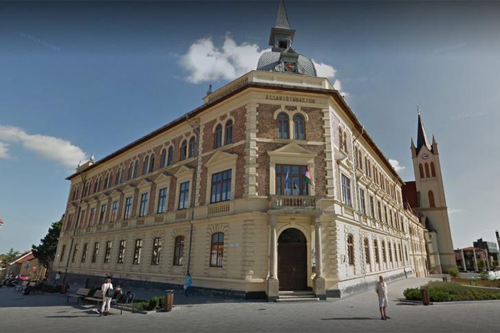 A keszthelyi Vajda János Gimnázium épülete