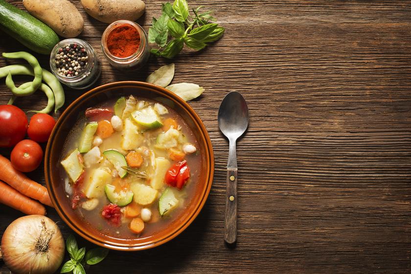 A zöldségleves, ami egyből elűzi a másnaposságot: már egy tányérka is feltölt energiával