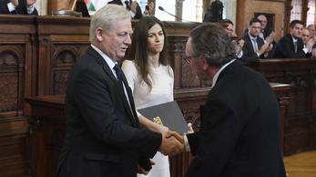 Művészek, sportolók, tudományos emberek kaptak díjat Tarlóstól