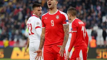 Mitrovic belesült a panenkába, majdnem ráfaragtak a szerbek