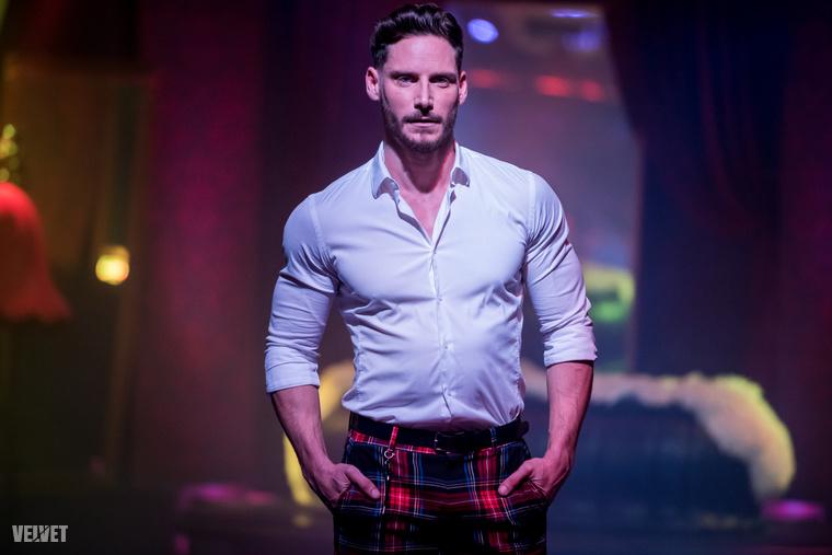 És a végére, álljon itt még egy kép arról a férfiról, aki zsűri szerint nemcsak a külsőleg, de szellemiségében is a legalkalmasabb arra, hogy a magyar meleg közösséget képviselje a nemzetközi színtéren