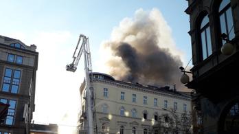 Először egy szagelszívó égett a DK irodájában