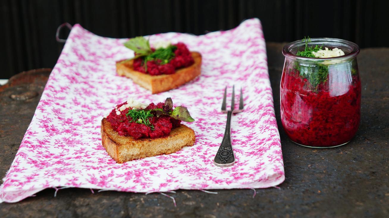 Csodás céklakrém reggelire vagy mártogatósként: az egészséges szendvicskrém