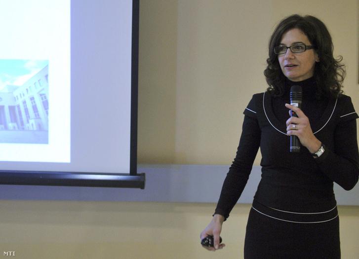 Ficzere Andrea az Uzsoki Utcai Kórházban 2013. december 11-én.